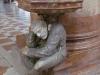 Церковь Святой Анастасии. Водосвятная чаша (1591). Скульптура Паоло Орефиче, называемая Пасквилино