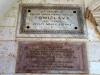 Собор святого Трифона. Мемориальная доска, установленная в честь тысячелетия со дня коронования первого хорватского короля Томислава (вверху)